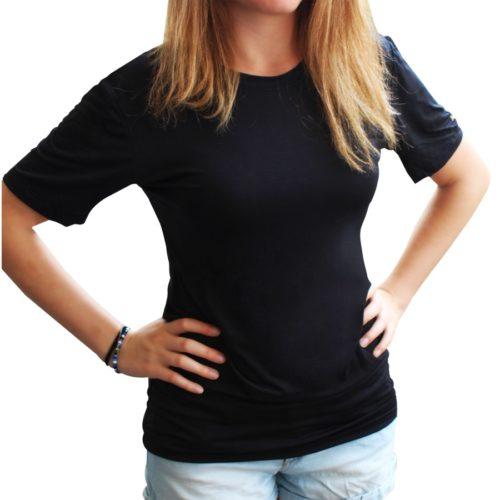 maglietta nera su modella, in fibra argento e nanotecnologia