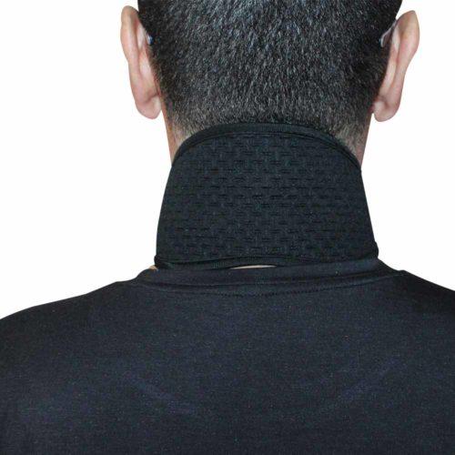 collare biomagnetico alla tormalina indossato