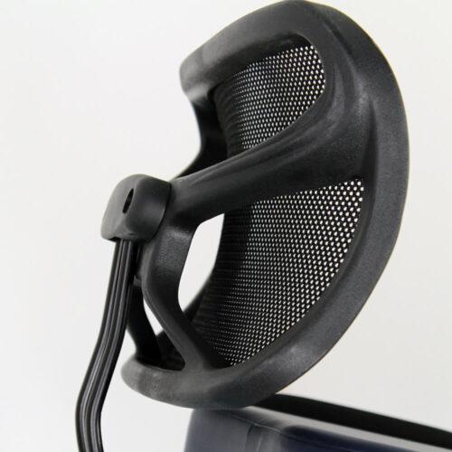 schienale ergonomico, color nero, della sedia posturale Mira